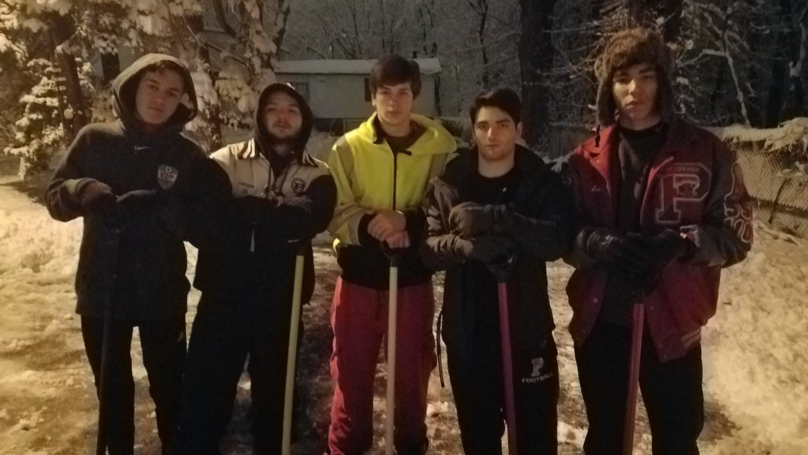 Kids Shovel Neighbour's Driveway At 4am So She Can Make Hospital Appointment