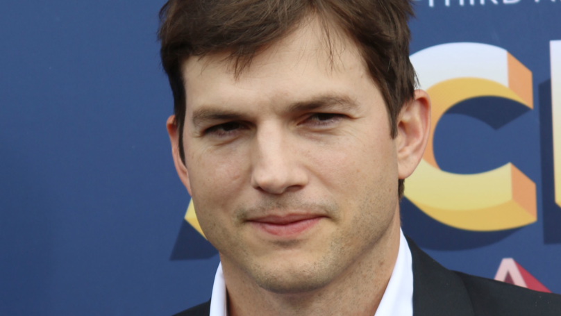 Ashton Kutcher Is Out Here Tweeting His Phone Number So You Can Text Him
