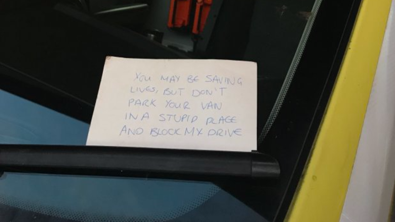 Neighbour Leaves Savage Note For Paramedics While They Treat Dying Man