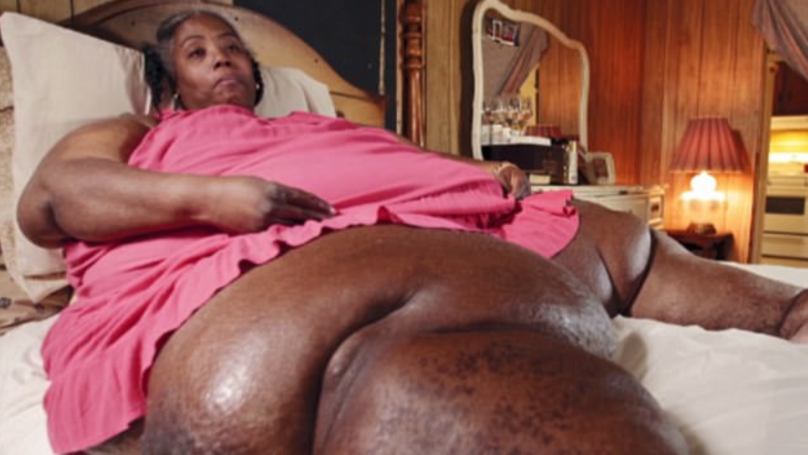 ​Morbidly Obese 700lb Woman Makes Desperate Plea For Help