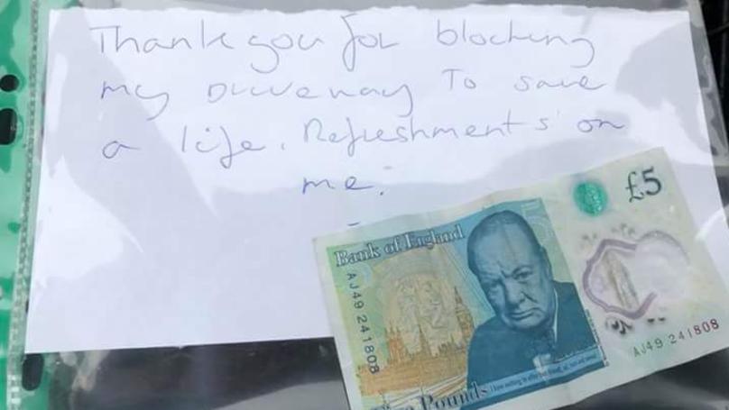 Man Leaves £5 On Ambulance Windscreen To Thank Paramedics