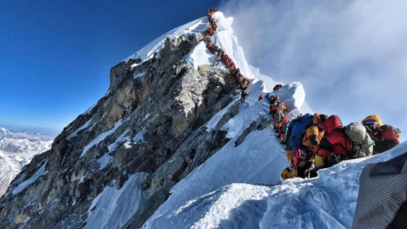 Man Dies Trying To Descend Everest Because The Mountain Was Too Crowded
