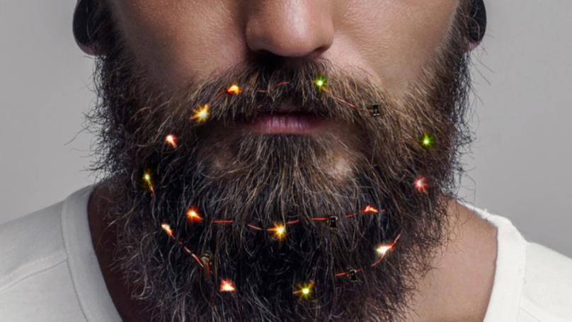 你现在可以买圣诞童话灯光胡子