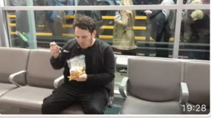 'Genius' Traveller Puts Wetherspoon Breakfast Into Plastic Security Bag At Airport