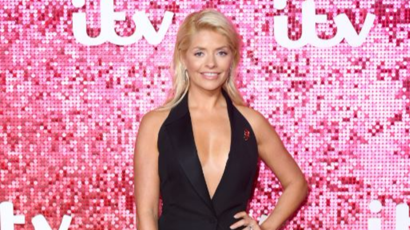 Huge Snake Wraps Itself Around Holly Willoughby's Leg Live On Air