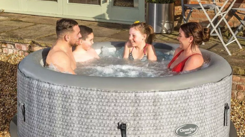 Tesco Is Selling A Hot Tub And It's Cheaper Than Aldi's And Lidl's