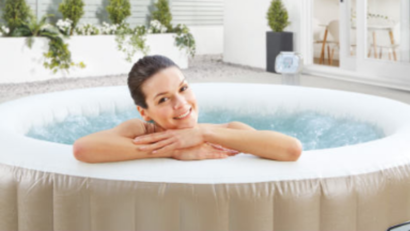 aldi 39 s hot tub is on sale and it 39 s even cheaper than we. Black Bedroom Furniture Sets. Home Design Ideas