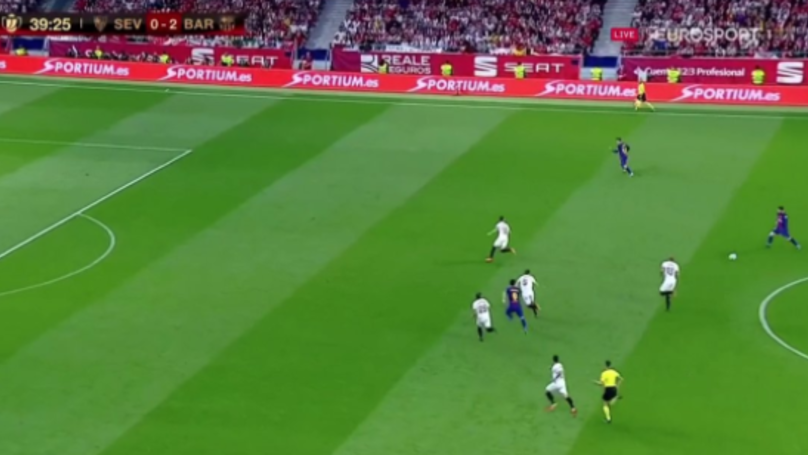 Easy Pass To Coutinho? Nope, Not Messi. Picks Out Suarez With Unreal Ball
