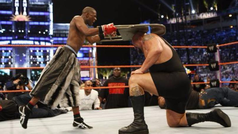 THROWBACK: Floyd Mayweather KO's The Big Show At WrestleMania 24 | SPORTbible