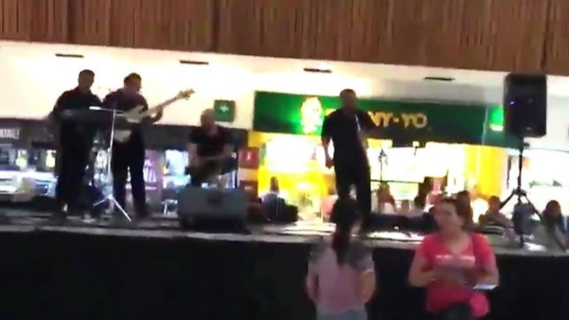 ​Band Plays Titanic Theme Song While Shopping Mall Floods