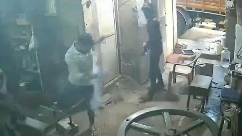 CCTV Footage Shows Man's Smartphone Explode in Pocket