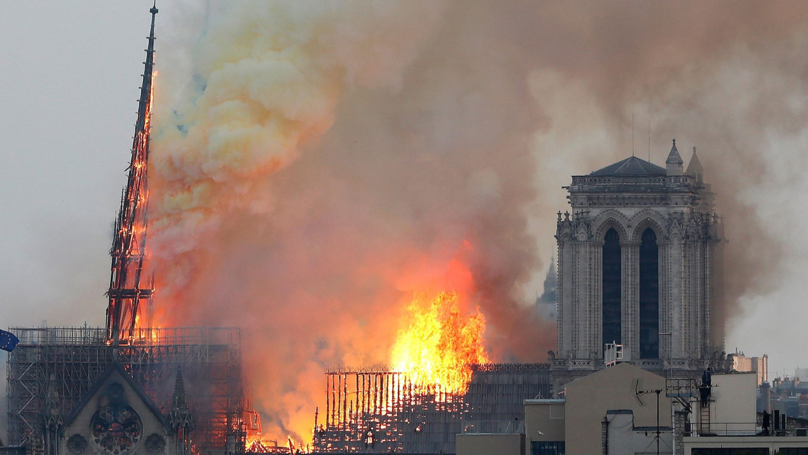 The Heartbreaking Moment The Notre Dame Cathedral Spire Collapsed