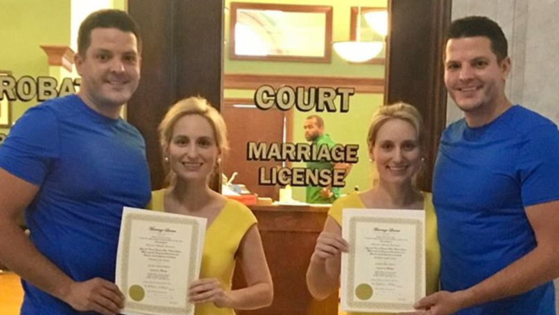 Identical Twins Who Married Identical Twins Want Babies On Same Day