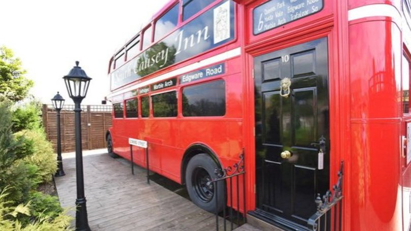 £100k Renovation To Turn Bus Into Ultimate B&B Pad Is Pure Pimp My Ride