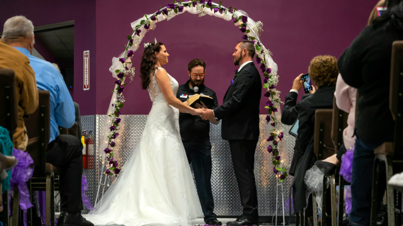 Two Former Addicts Turned Gym Junkies Get Married In The Gym