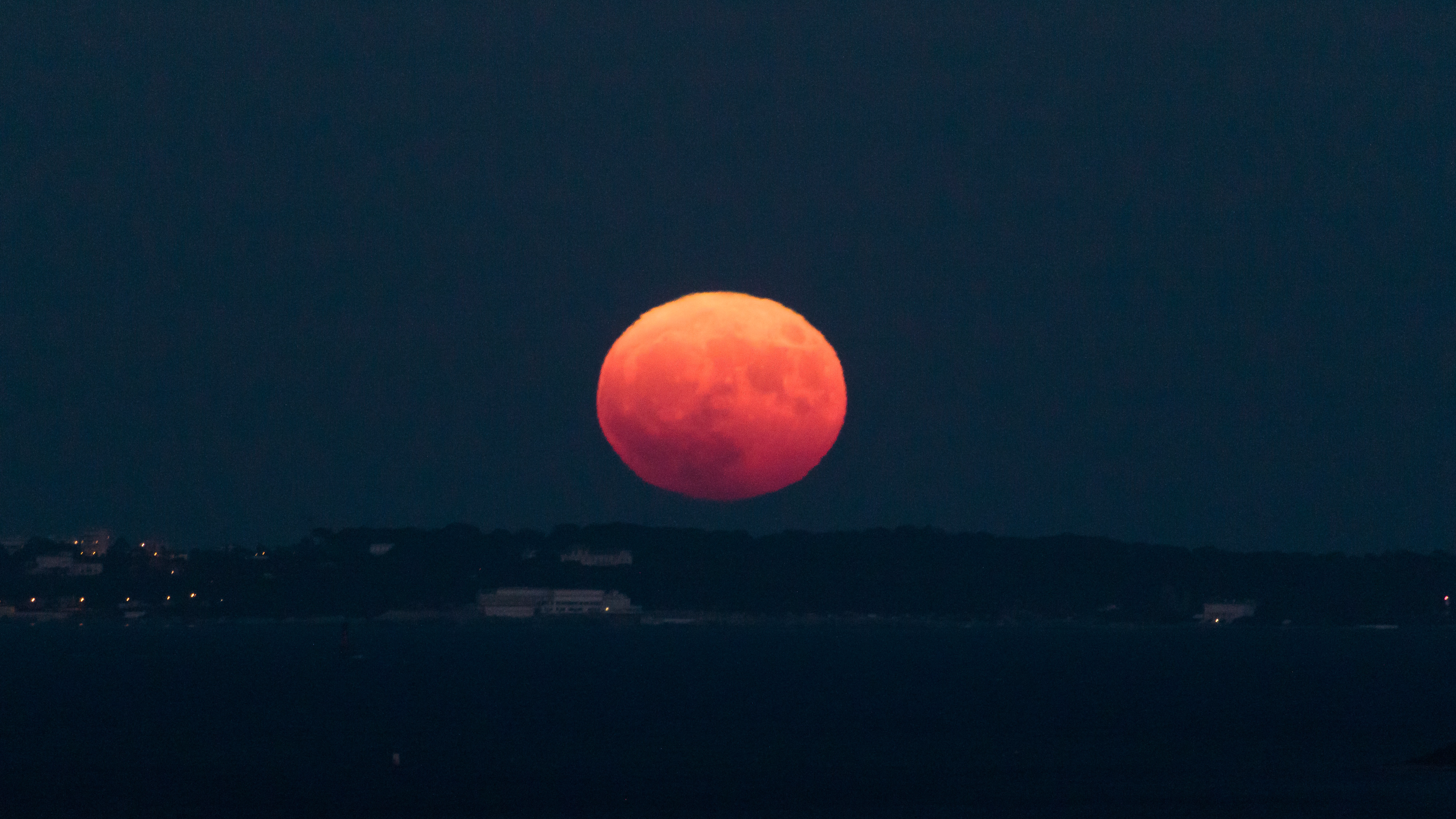 A Supermoon Is Expected To Be Bigger and Brighter Tonight