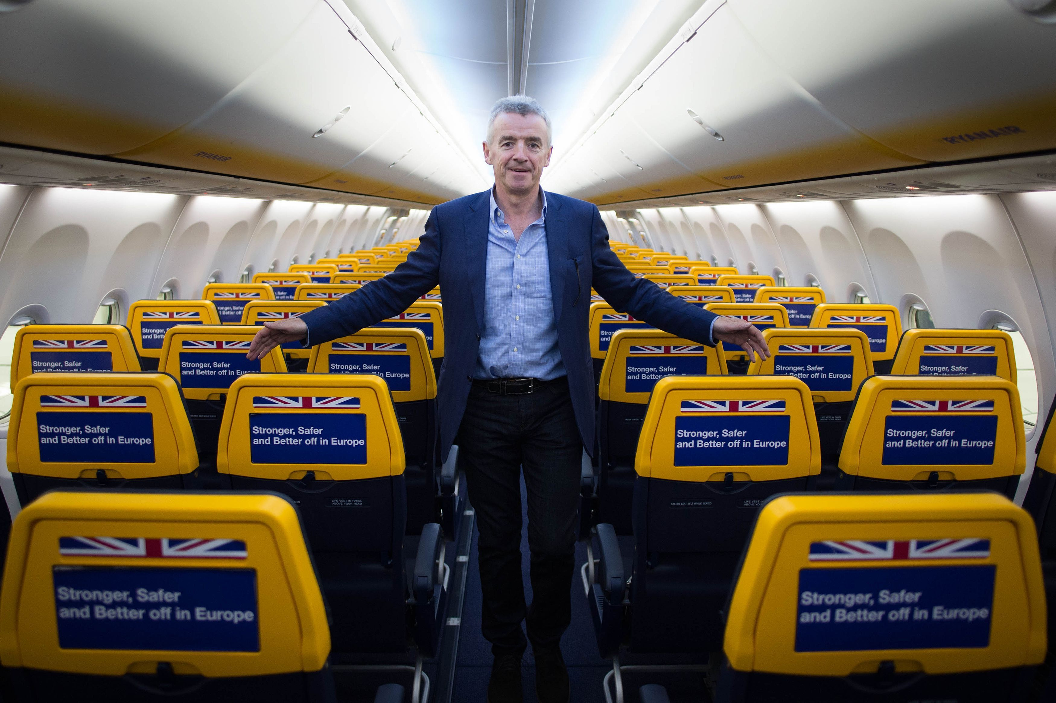 Pay to carry luggage on to Ryanair flights