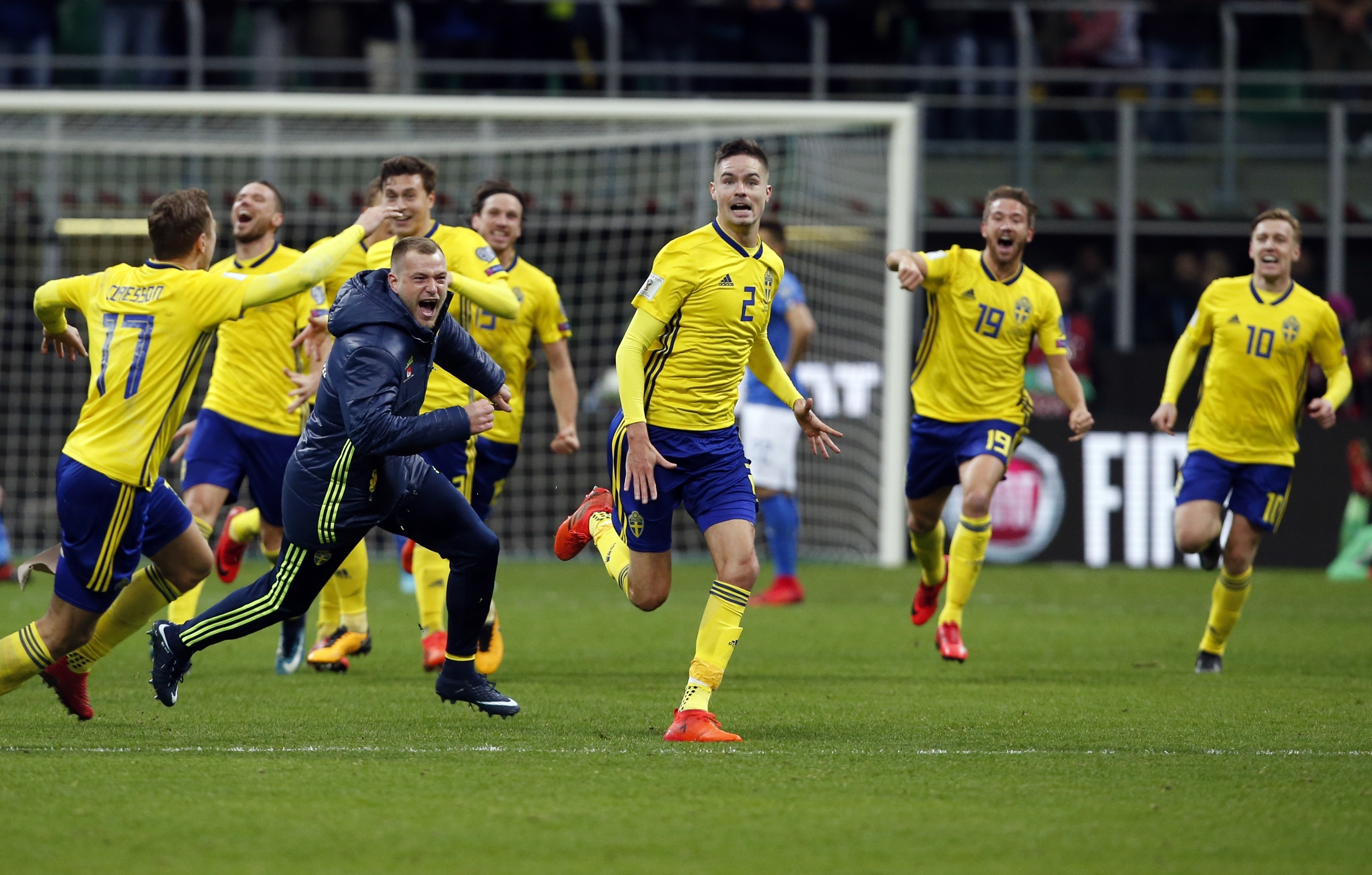 Zlatan celebrates Sweden's qualification for 2018 World Cup