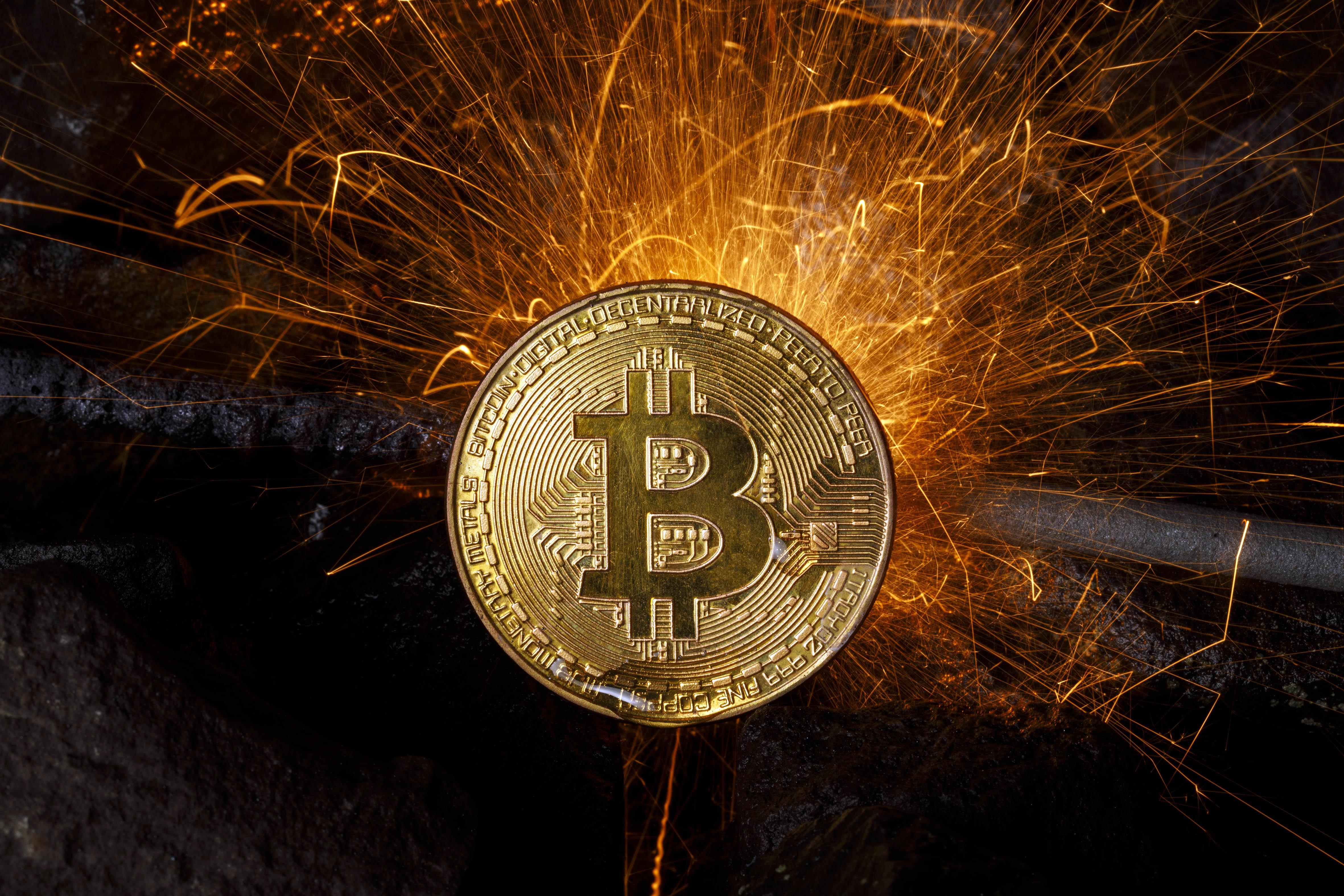 100 jav dolerių iki bitcoin)