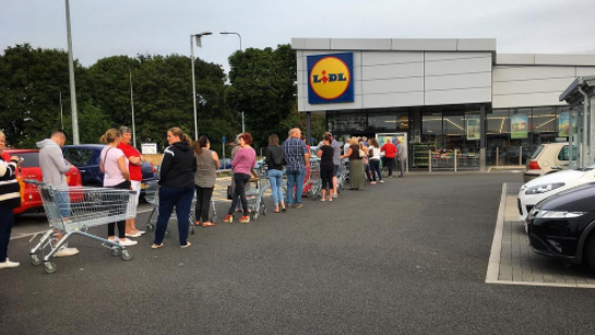 Huge Queues Form Outside Lidl Stores For Prosecco Deal