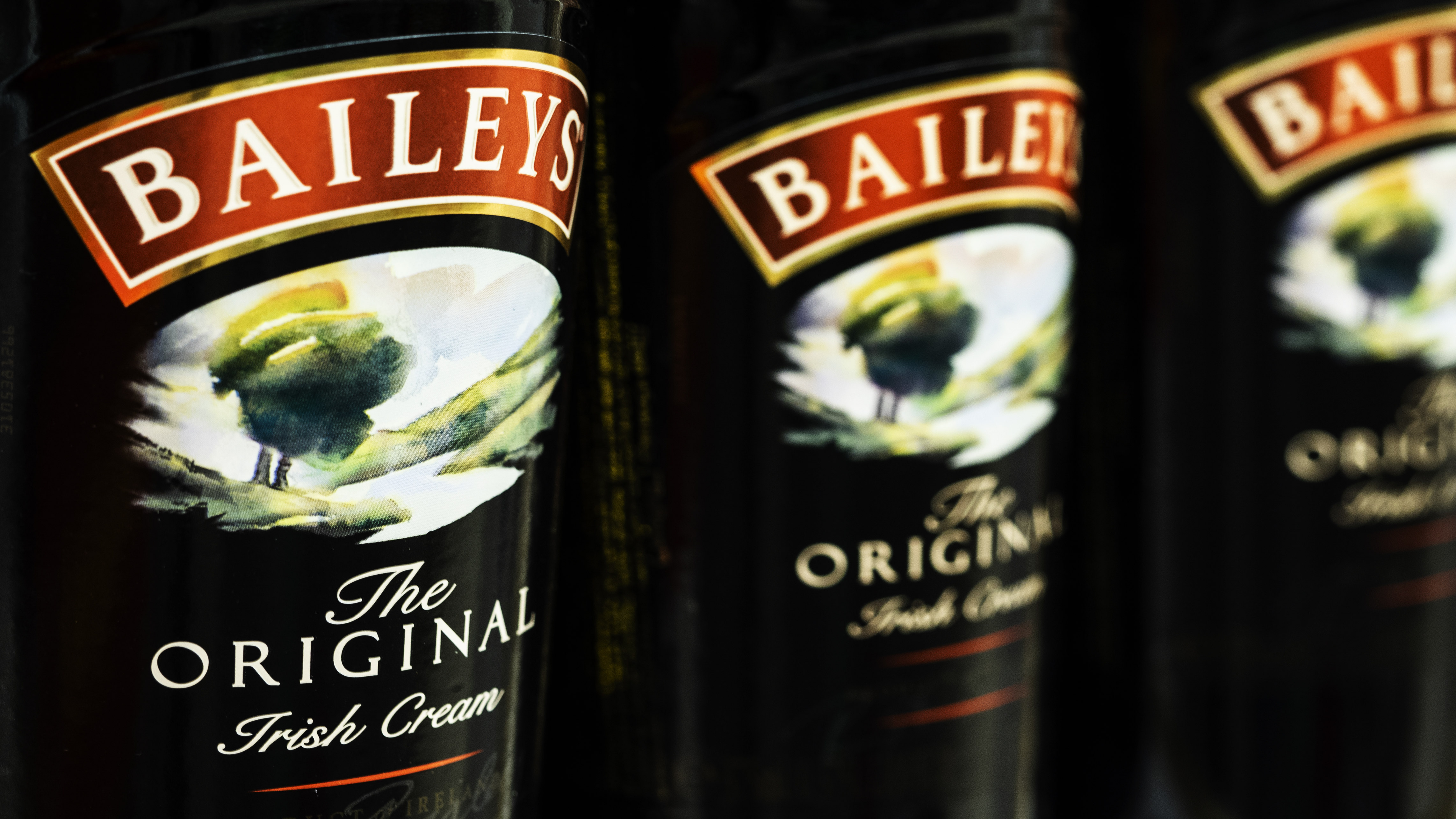 Asda & Morrisons  Are Selling A £10 Litre Of Baileys Because: Christmas