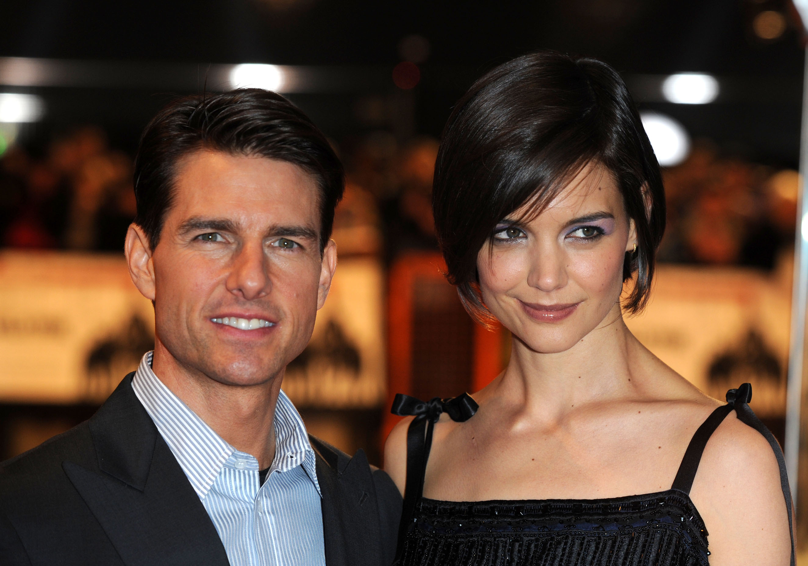 Katie Holmes, Jamie Foxx confirm relationship; Freddie Mercury biopic; more: AM Buzz