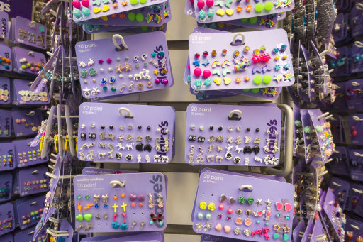 Fashion accessories chain Claire's said to plan to file bankruptcy