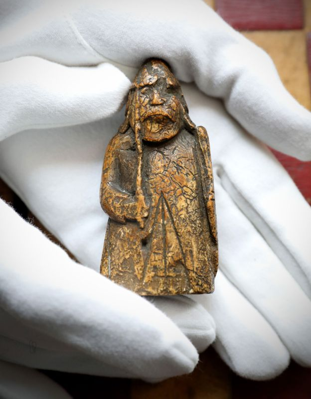 Lewis chessman bought for £5 sells for £735,000