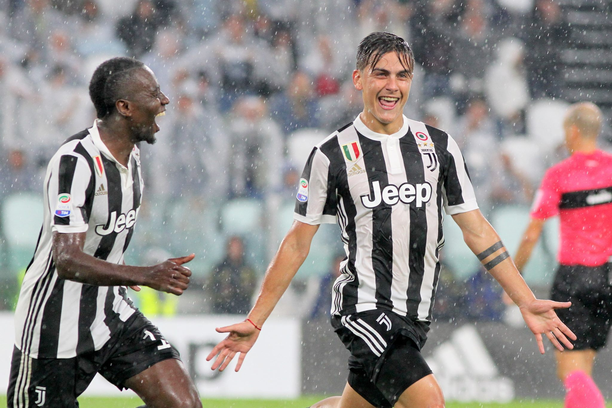 Dybala hat-trick lifts Juve to top