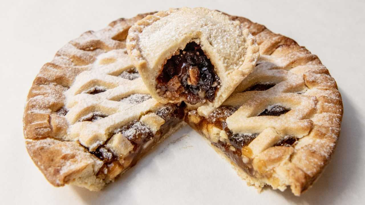ASDA Is Selling A Supersized Mince Pie For Christmas