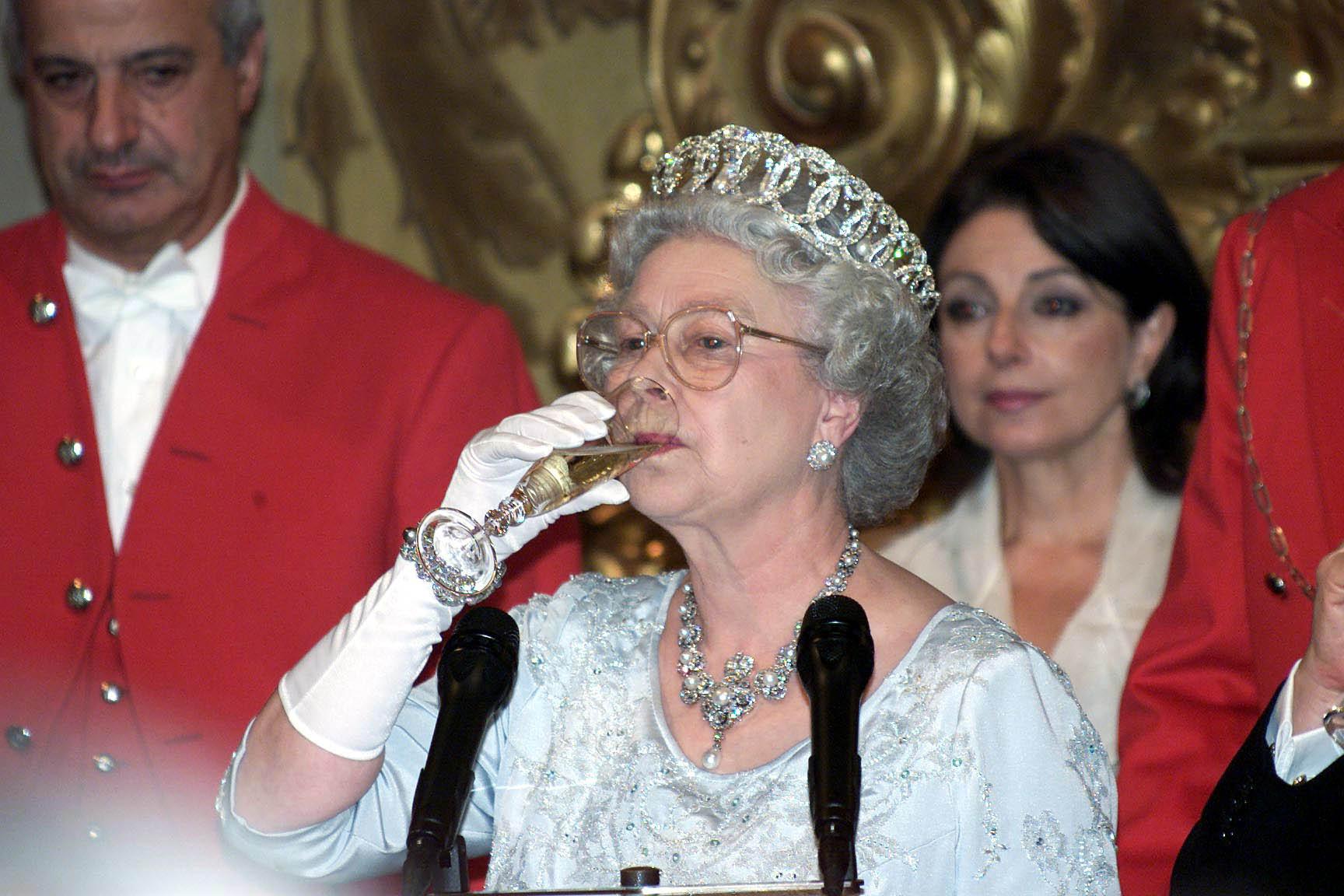 Queen drinking