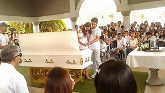 Woman 'Marries' Dead Boyfriend In Ceremony Before His Funeral