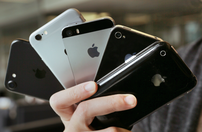 IPhone users to sue Apple for 'covering up' battery defect