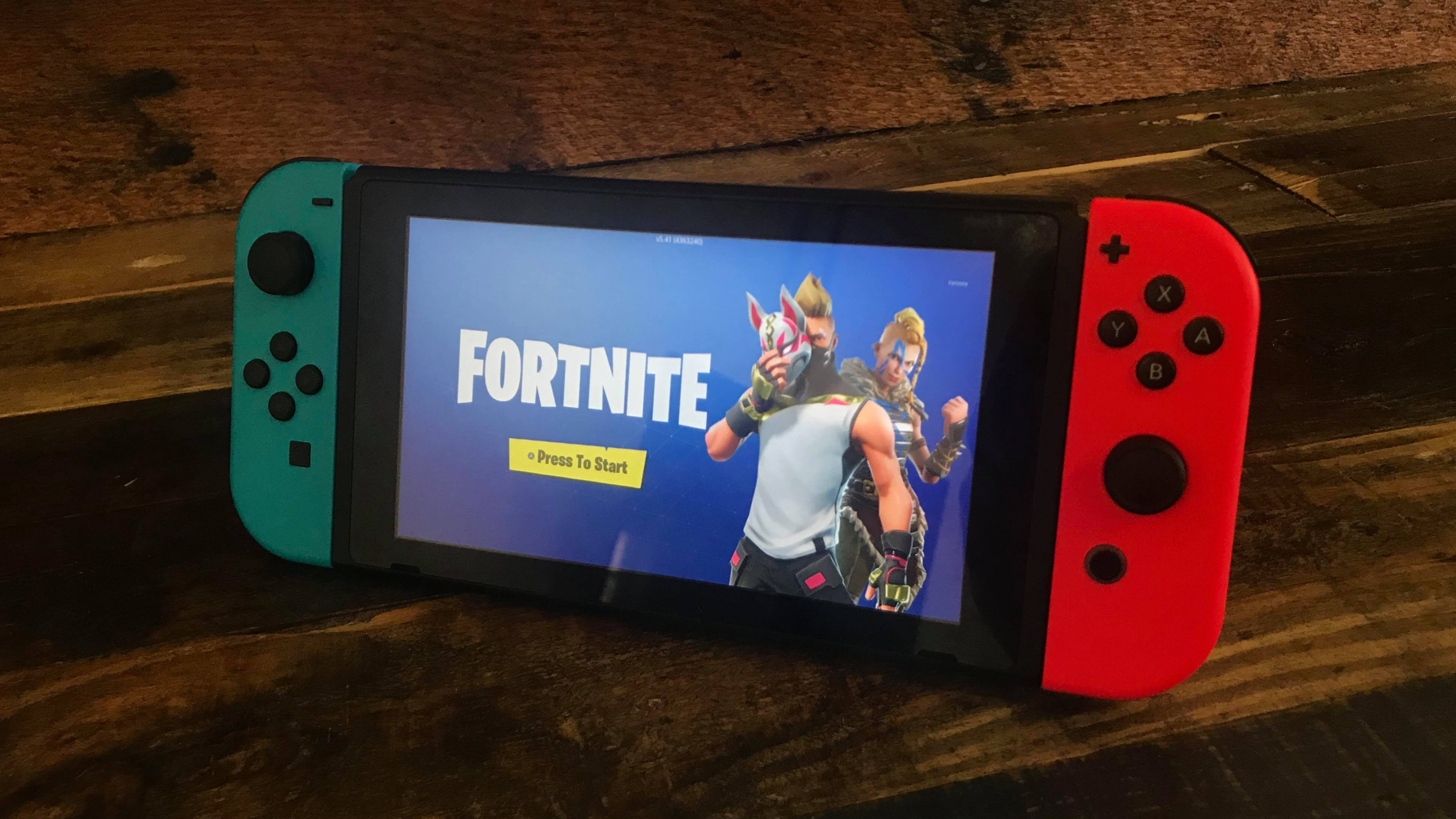 Nintendo To Offer Fortnite Switch Bundle Exclusive Items