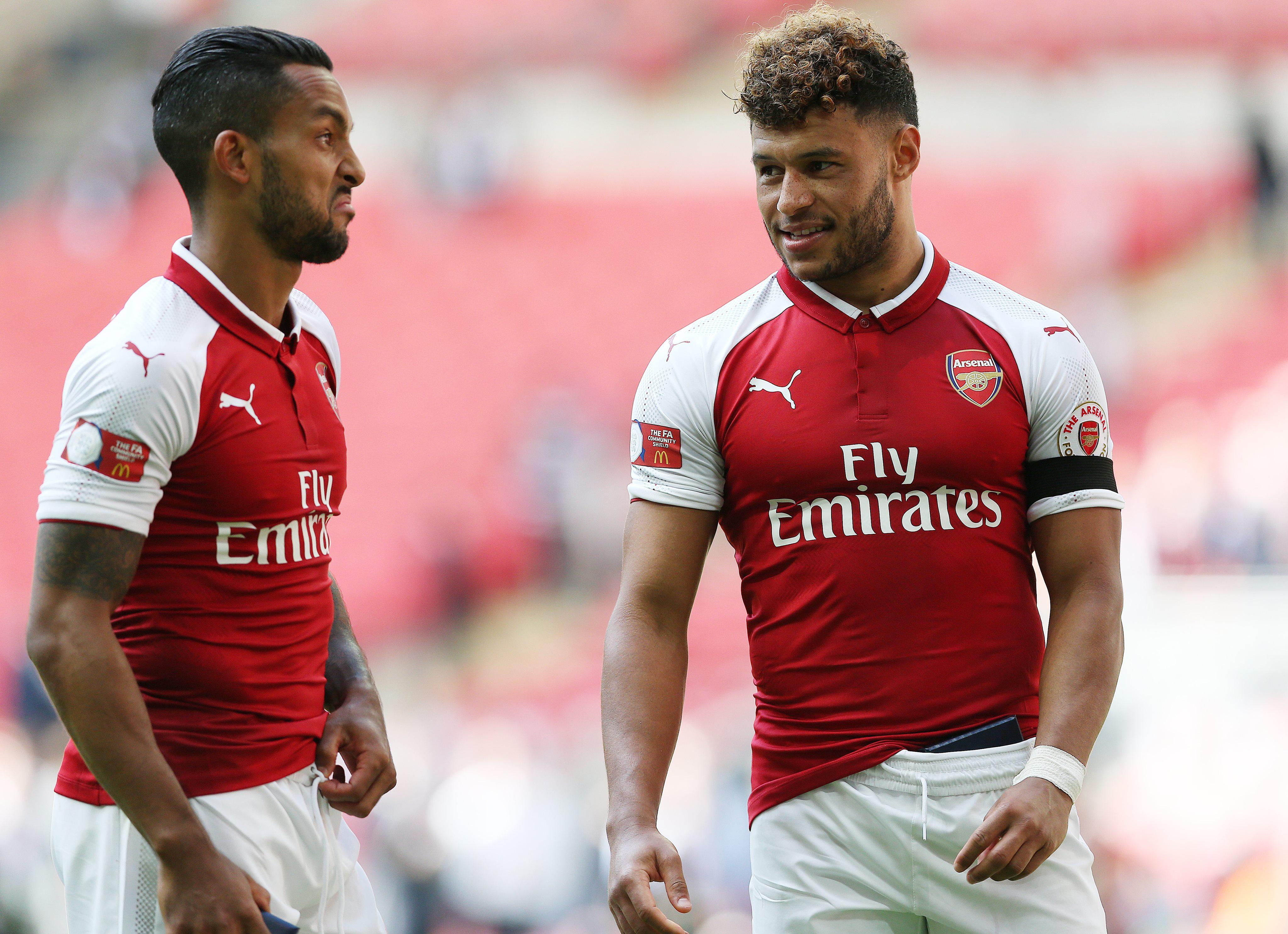 Alex Oxlade-Chamberlain gets unwittingly mugged by young Liverpool fan