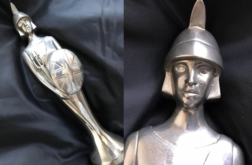 Brit Award Best Newcomer Presented To Paul Cattermole S Club 7. Credit: Ebay
