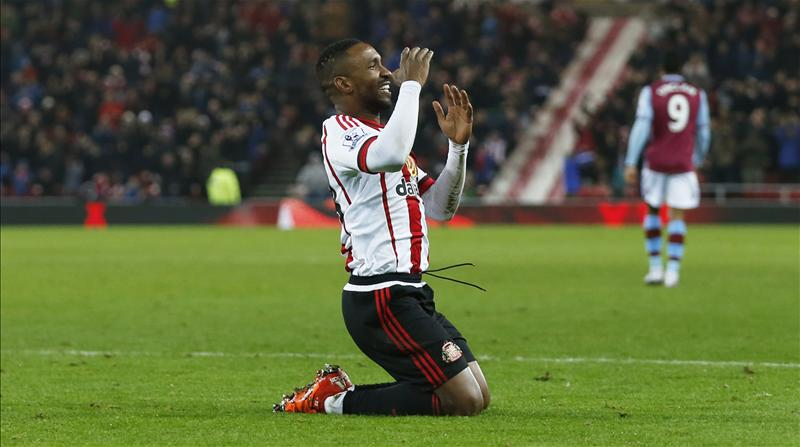 Sunderland forward Defoe agrees Bournemouth switch