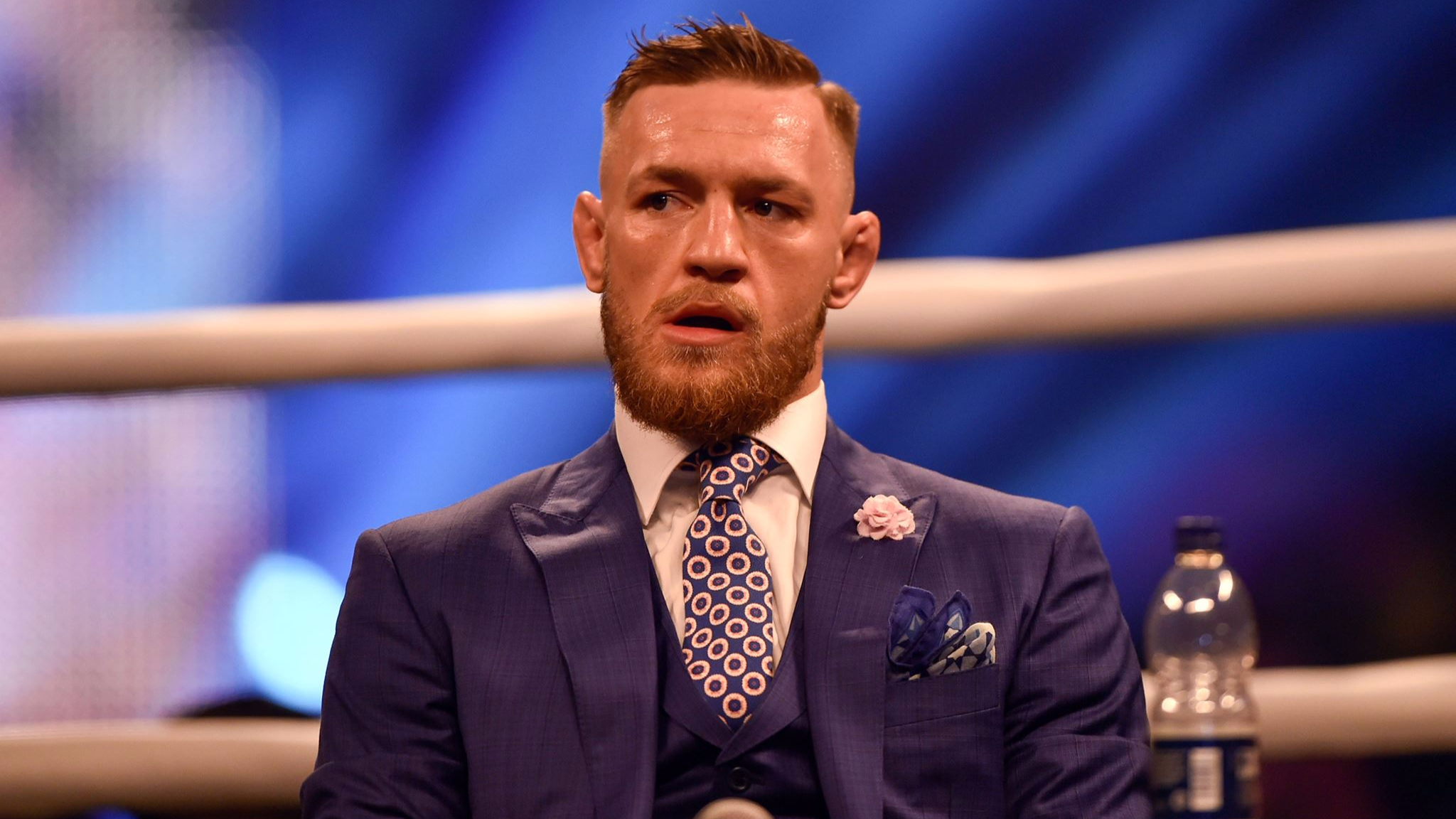 Conor McGregor Shows Off 'Wealth Belly' Post Floyd Mayweather Fight