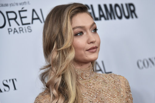 Gigi Hadid flashes armpit hair