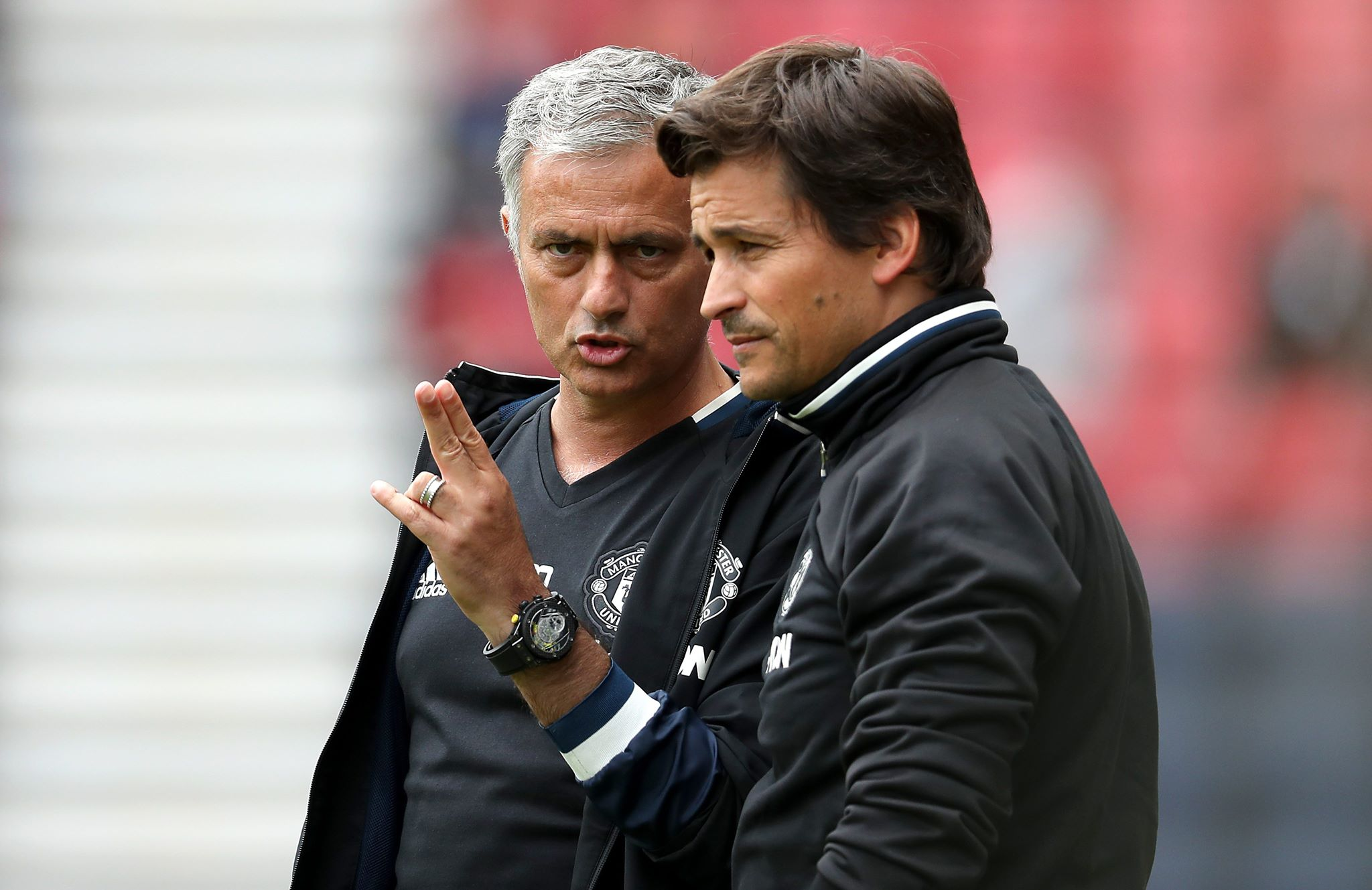 Jose Mourinho hits back at Gary Neville about Man United youngster