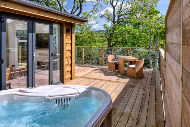 There's even a hot tub. Credit: Wolds Edge/Jim Varney