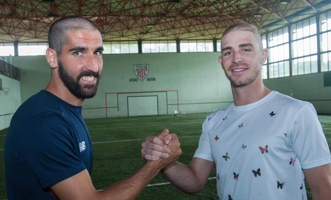 Athletic squad shave heads in support of Yeray Alvarez