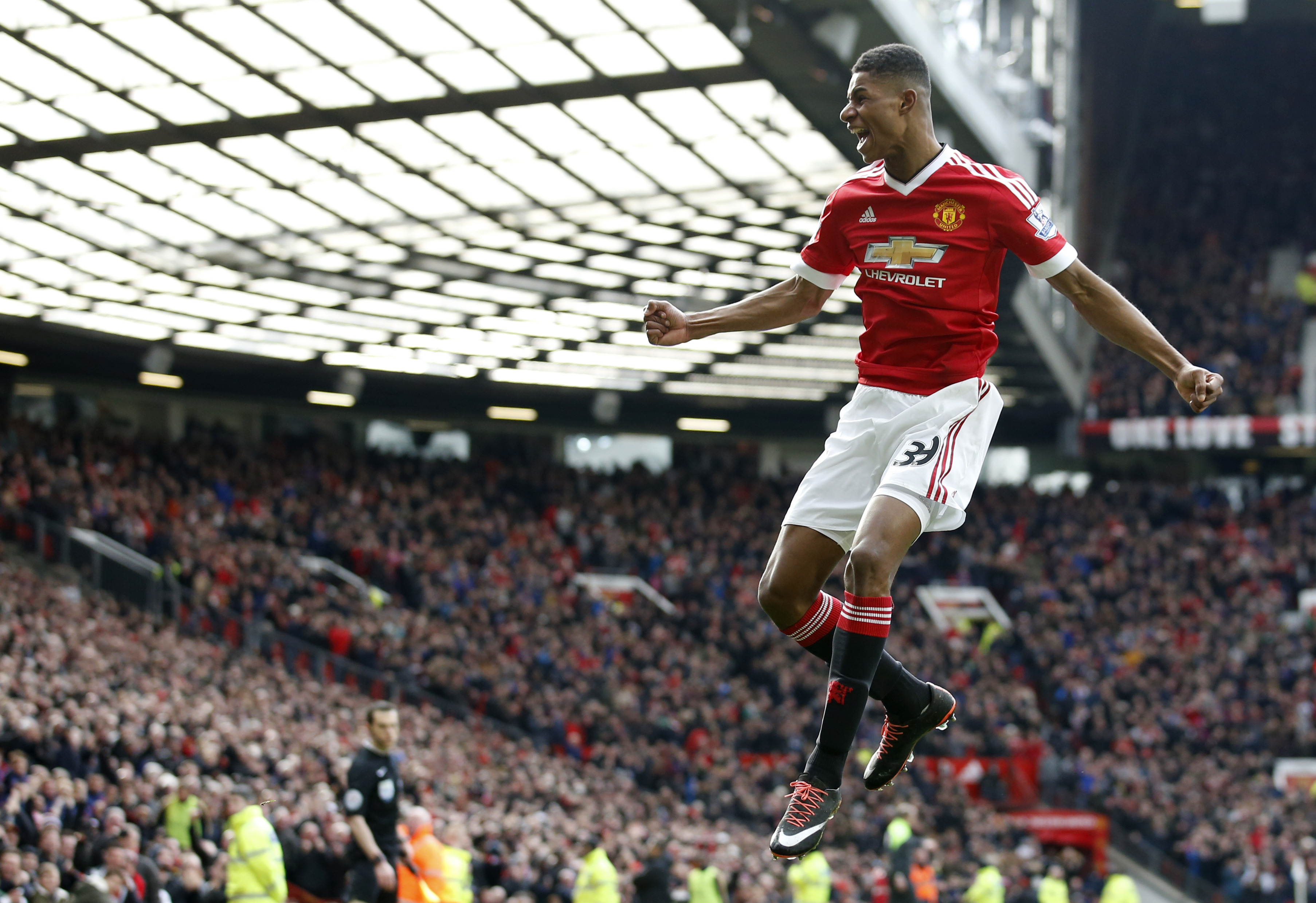 Thoughts as Manchester United Set the Pace in the Premier League