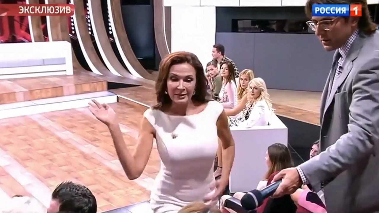 Evelina Bledans slaps a guest on a TV chat show. Credit: CEN
