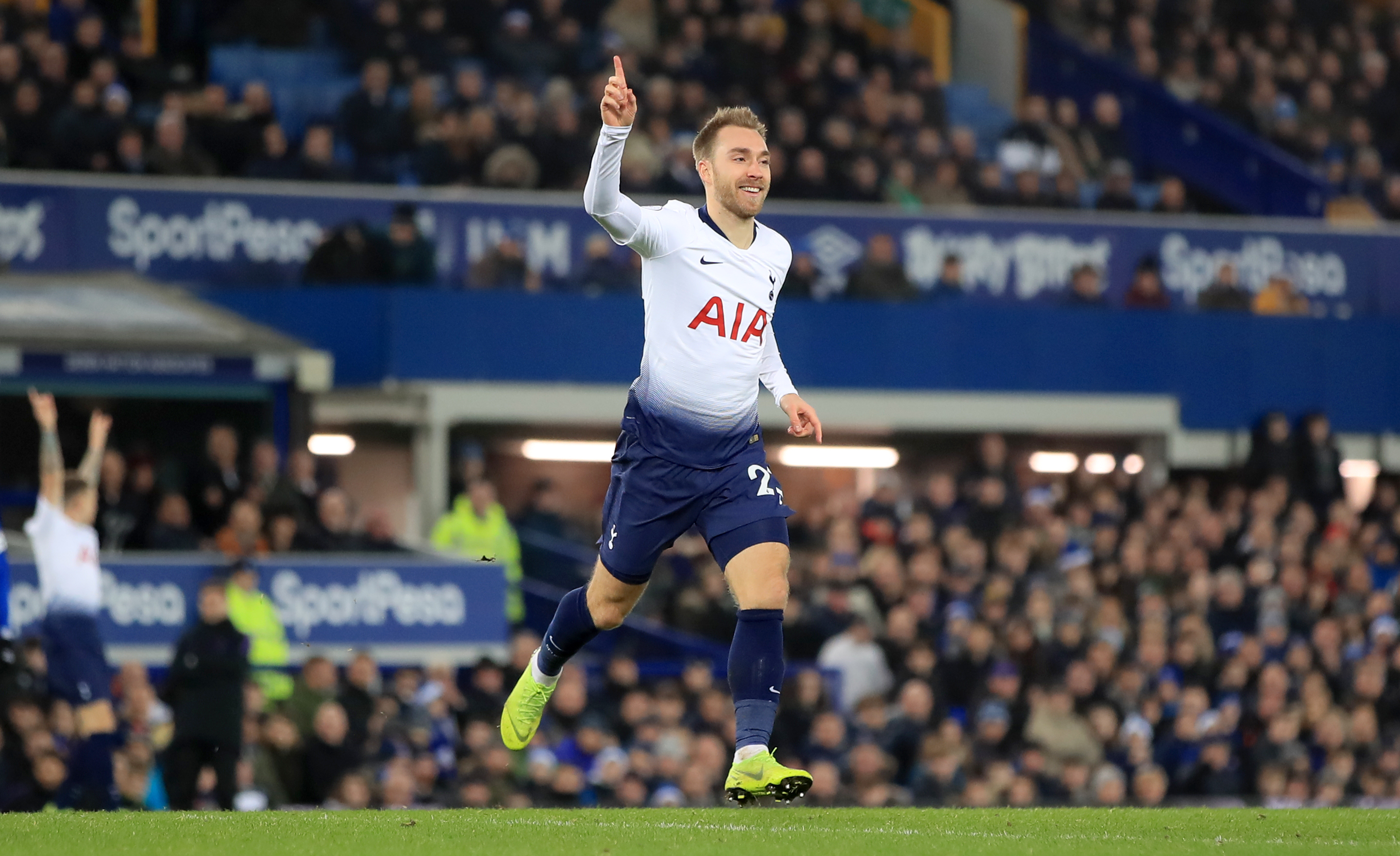 Real Madrid set to offer Rodriguez plus cash for Tottenham's Eriksen