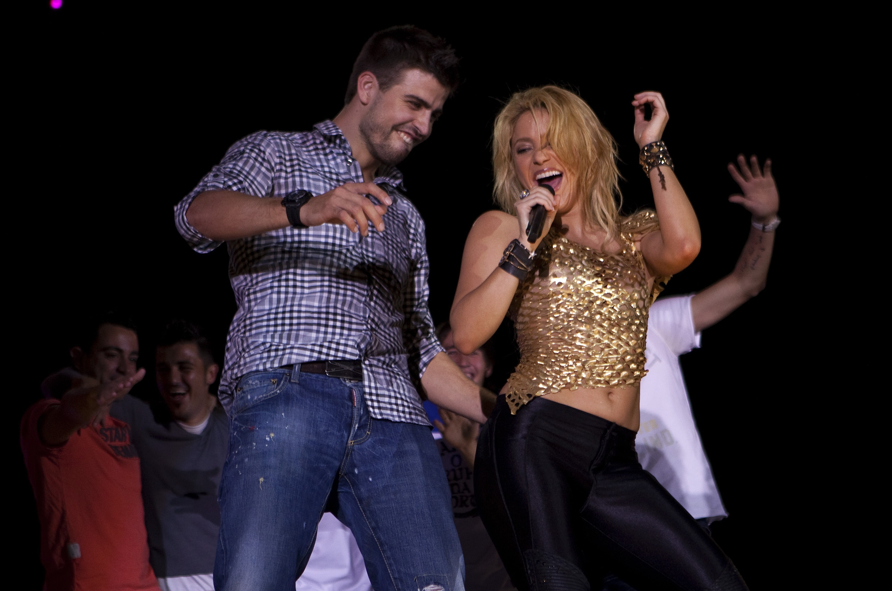 Gerard Pique Explains How To Pull A Girl Like Shakira TheSPORTbible