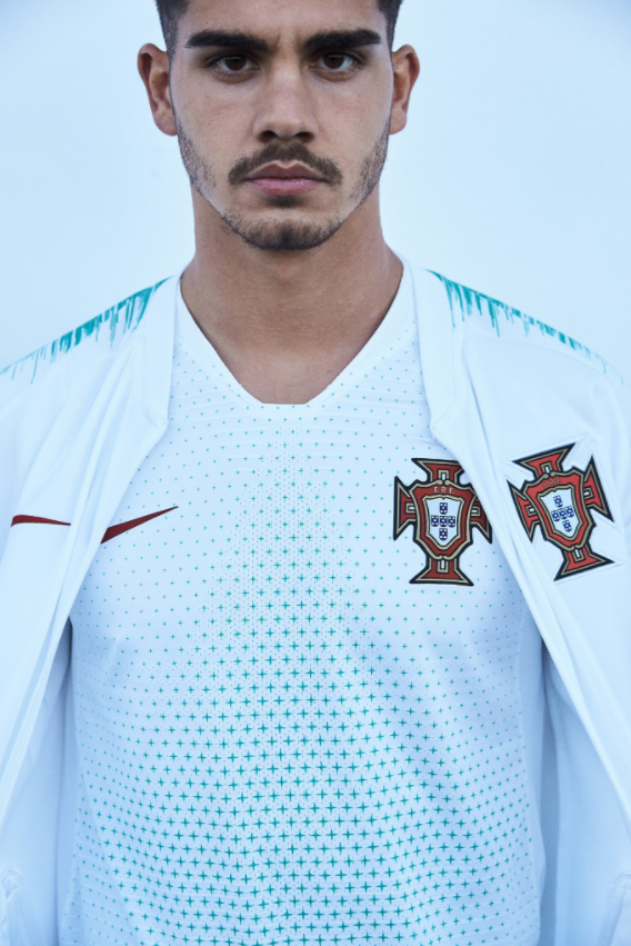 portugal 39 s home and away shirt for the 2018 world cup are just stunning sportbible. Black Bedroom Furniture Sets. Home Design Ideas