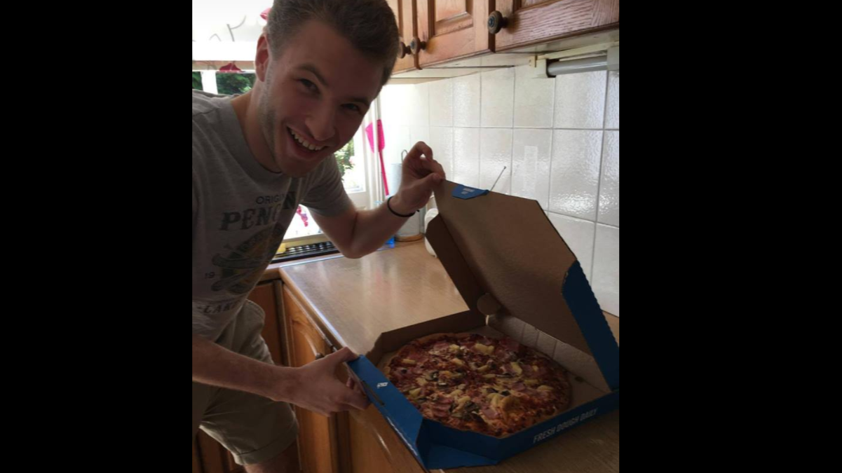 Man Gets Free Pizza After Singing 'Les Mis' Parody In Domino's