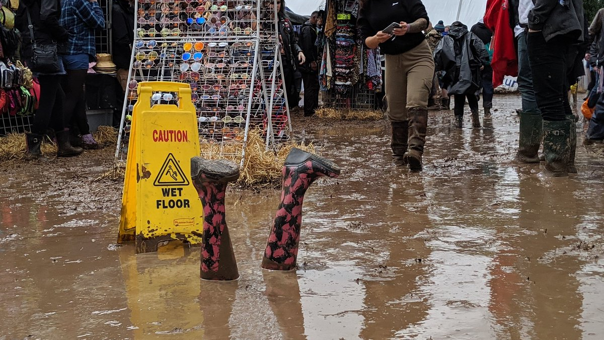 Fans Leaving Download Festival Early Because Of 'Biblical' Rain And Mud Credit: Twitter