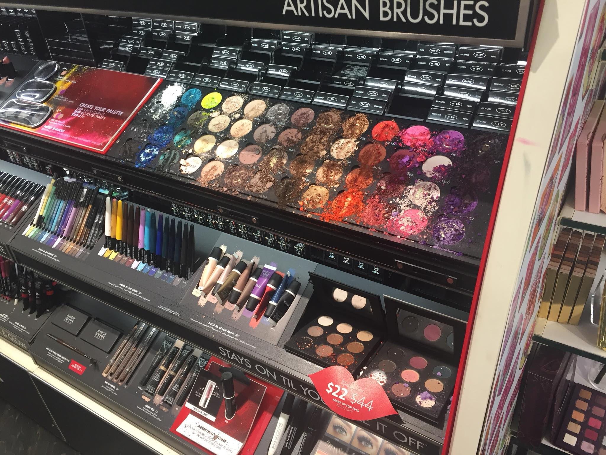 Child demolishes €1100 worth of makeup in Sephora store